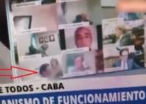Kamerayı Açık Unutan Milletvekili Danışmanıyla Yakalandı