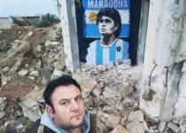 Maradona'nın Resmini Duvara Çizdi