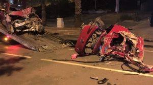 Paramparça Olan Otomobilden Sağ Çıktı